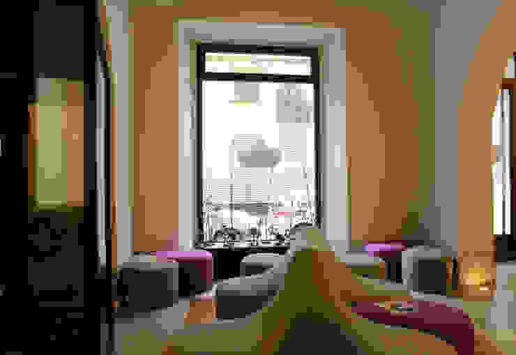 Ryoga_divano Marga design esclusivo Sedi per eventi moderne di laboratorio di architettura - gianfranco mangiarotti Moderno