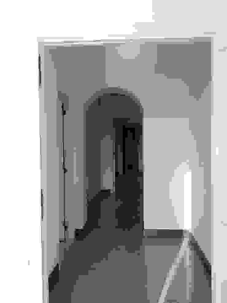 Casa MB_ante operam Ingresso, Corridoio & Scale in stile moderno di laboratorio di architettura - gianfranco mangiarotti Moderno