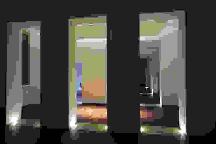 Casa MB_ Ingresso, Corridoio & Scale in stile moderno di laboratorio di architettura - gianfranco mangiarotti Moderno