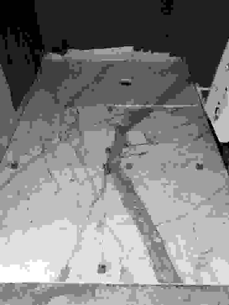 Casa MB_work in progress Pareti & Pavimenti in stile classico di laboratorio di architettura - gianfranco mangiarotti Classico