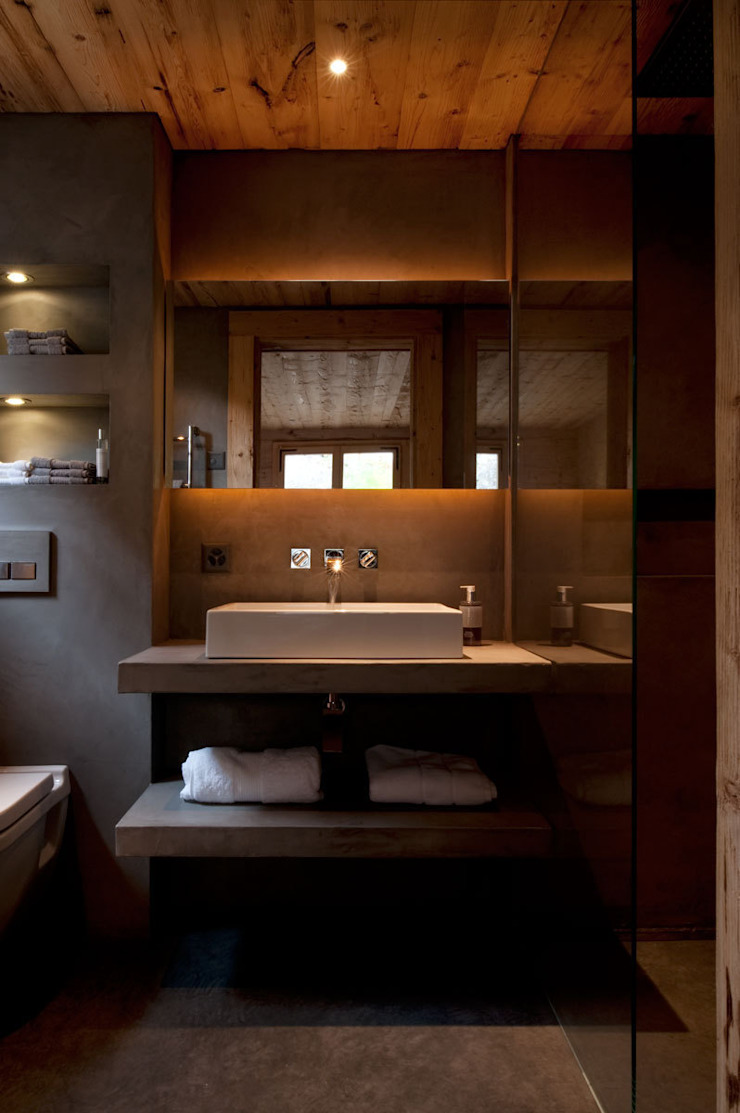 Chalet Gstaad Rustic style bathroom by Ardesia Design Rustic