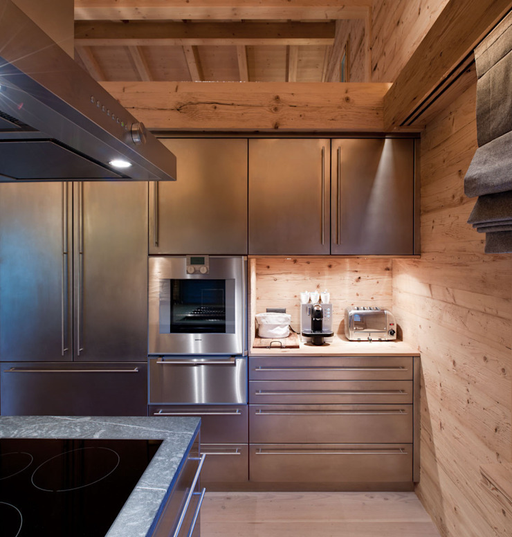 Chalet Gstaad Rustic style kitchen by Ardesia Design Rustic