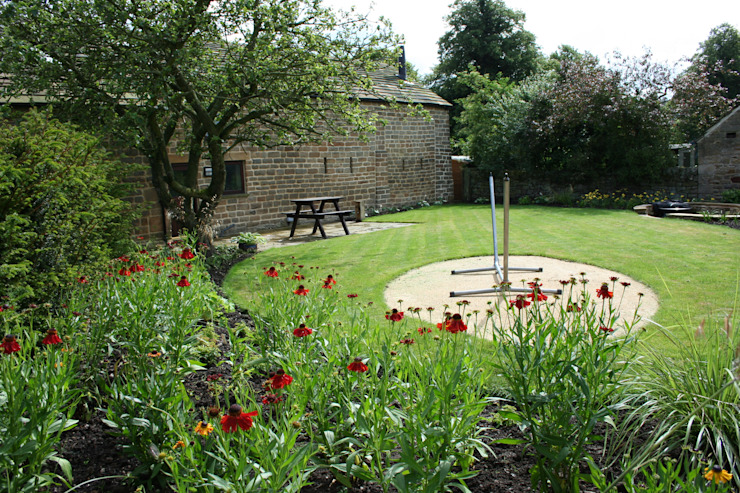 Rural Garden Modern style gardens by Bestall & Co Landscape Design Ltd Modern