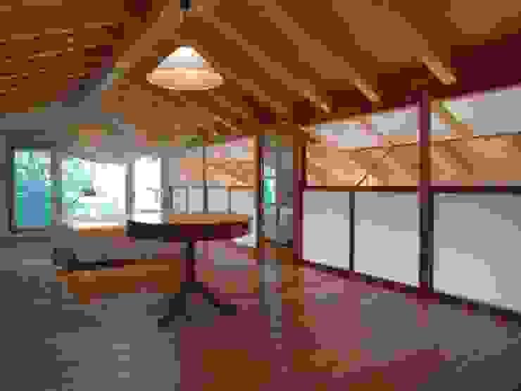 Casa di legno a Silea Camera da letto moderna di mmpstudio Moderno