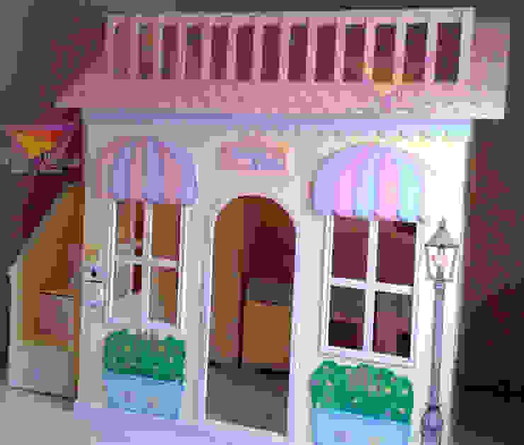 Casita tipo cafeteria de camas y literas infantiles kids world Moderno