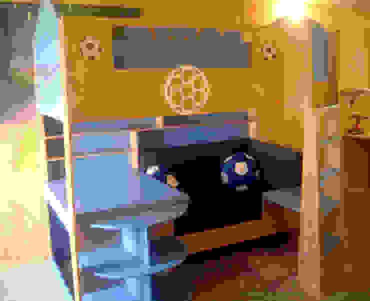 Cama alta con salita de camas y literas infantiles kids world Moderno
