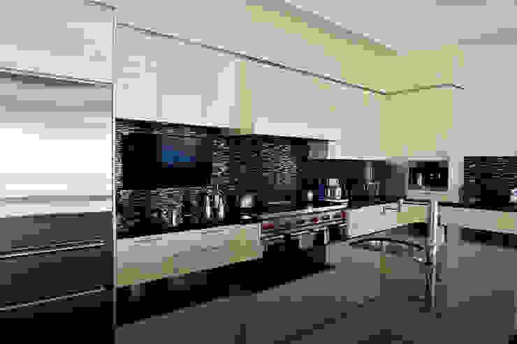 Nightingale Decor, Hollywood Hills CA. 2014 Cocinas modernas de Erika Winters® Design Moderno
