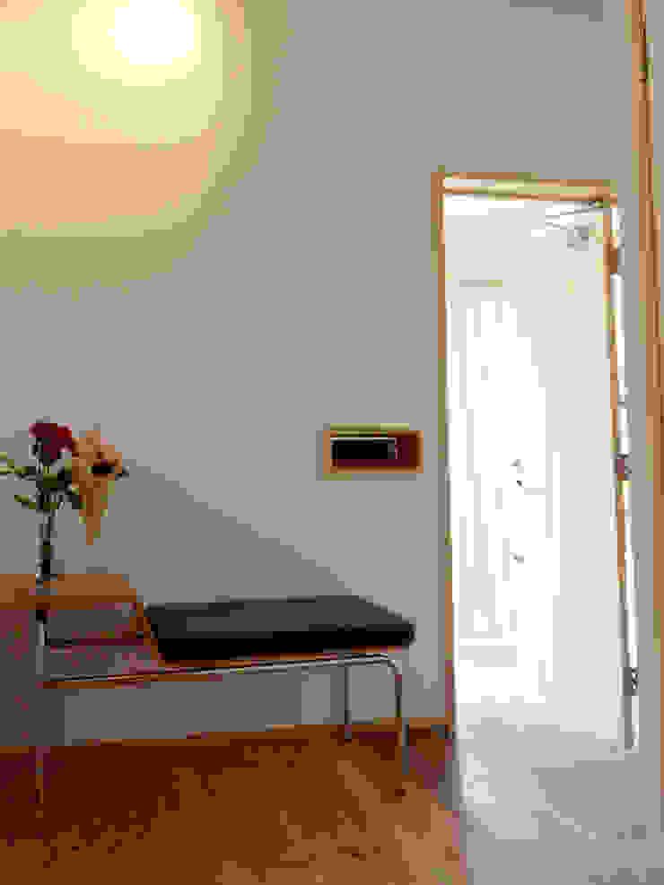ドミノ住宅 モダンスタイルの 玄関&廊下&階段 の T設計室一級建築士事務所/tsekkei モダン