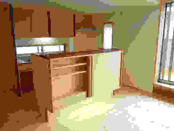 ドミノ住宅 モダンな キッチン の T設計室一級建築士事務所/tsekkei モダン