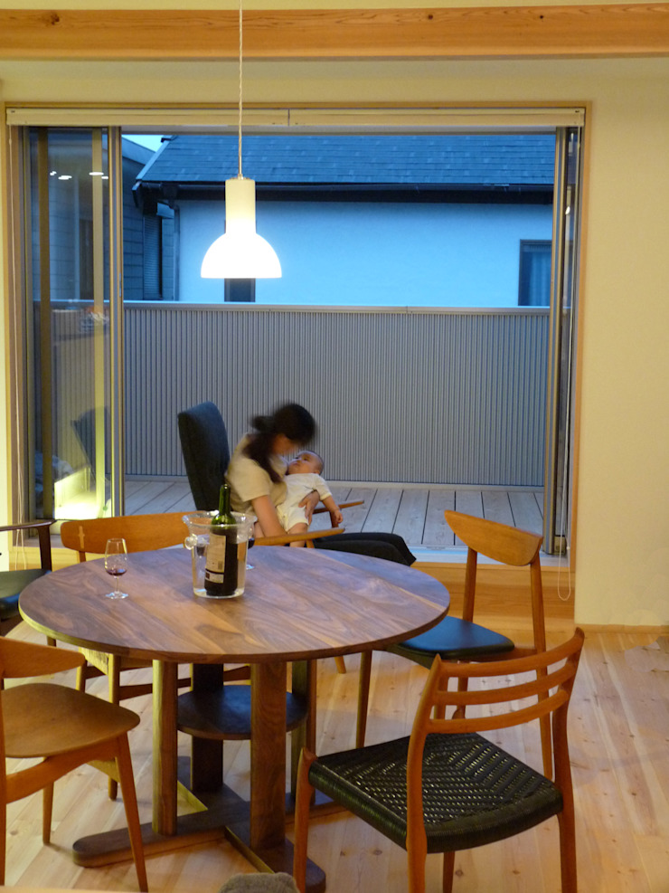 ドミノ住宅 モダンデザインの リビング の T設計室一級建築士事務所/tsekkei モダン