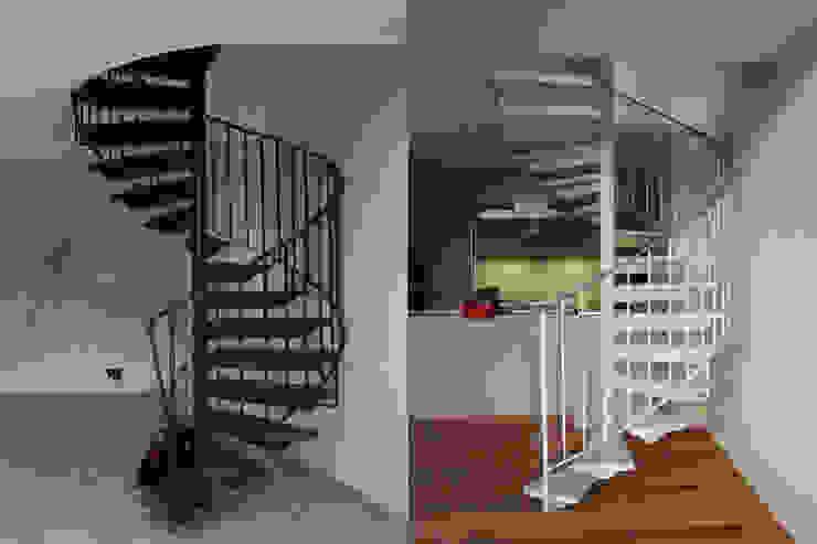 Alte Treppe farbig neu gefasst: modern  von Wohnwert Innenarchitektur,Modern