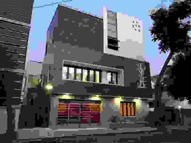 Maisons modernes par Hasta architects Moderne