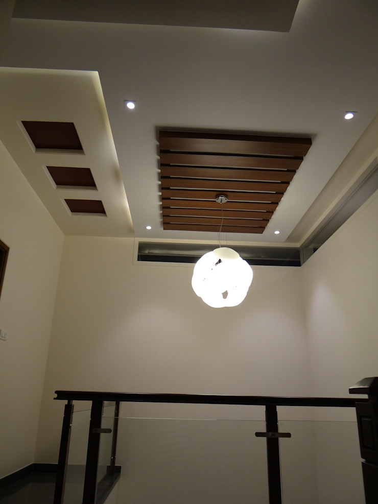 Double Height Lobby ceiling Modern corridor, hallway & stairs by Hasta architects Modern