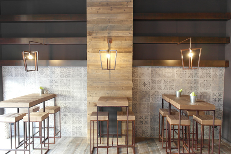 Country style bars & clubs by CARLO CHIAPPANI interior designer Country