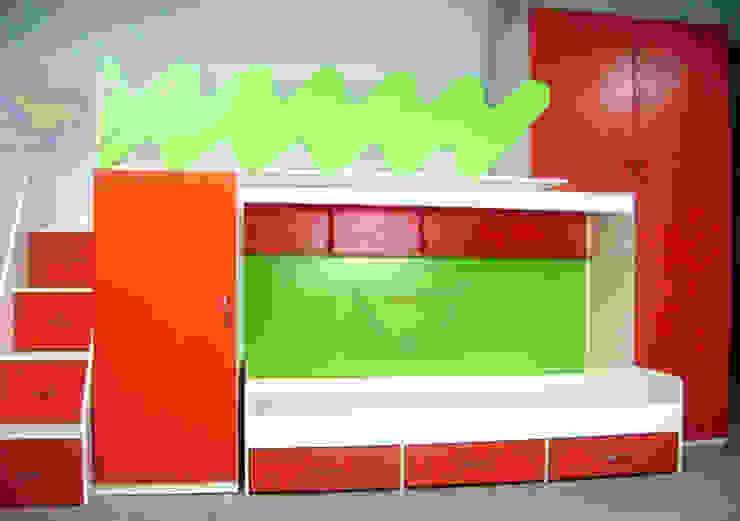 Litera triple juvenil con muebles laterales de camas y literas infantiles kids world Moderno