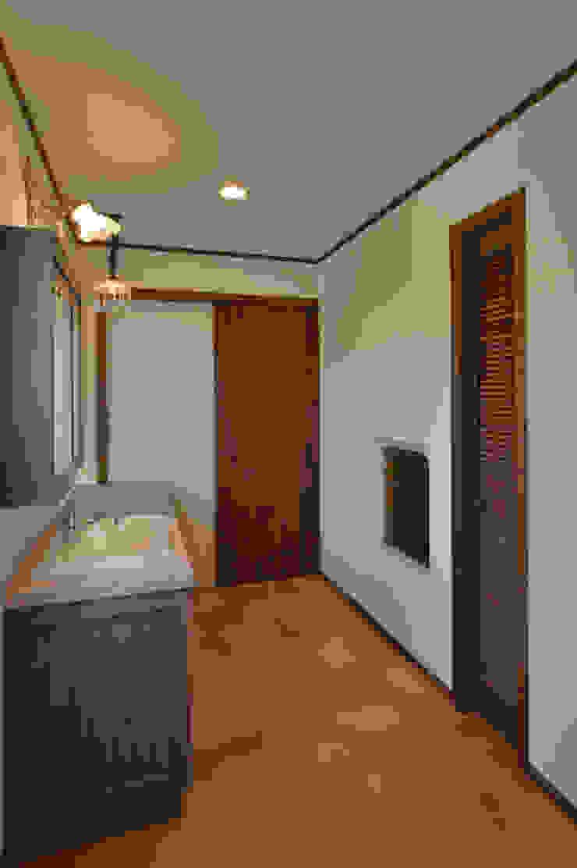 株式会社 盛匠 Salle de bain classique