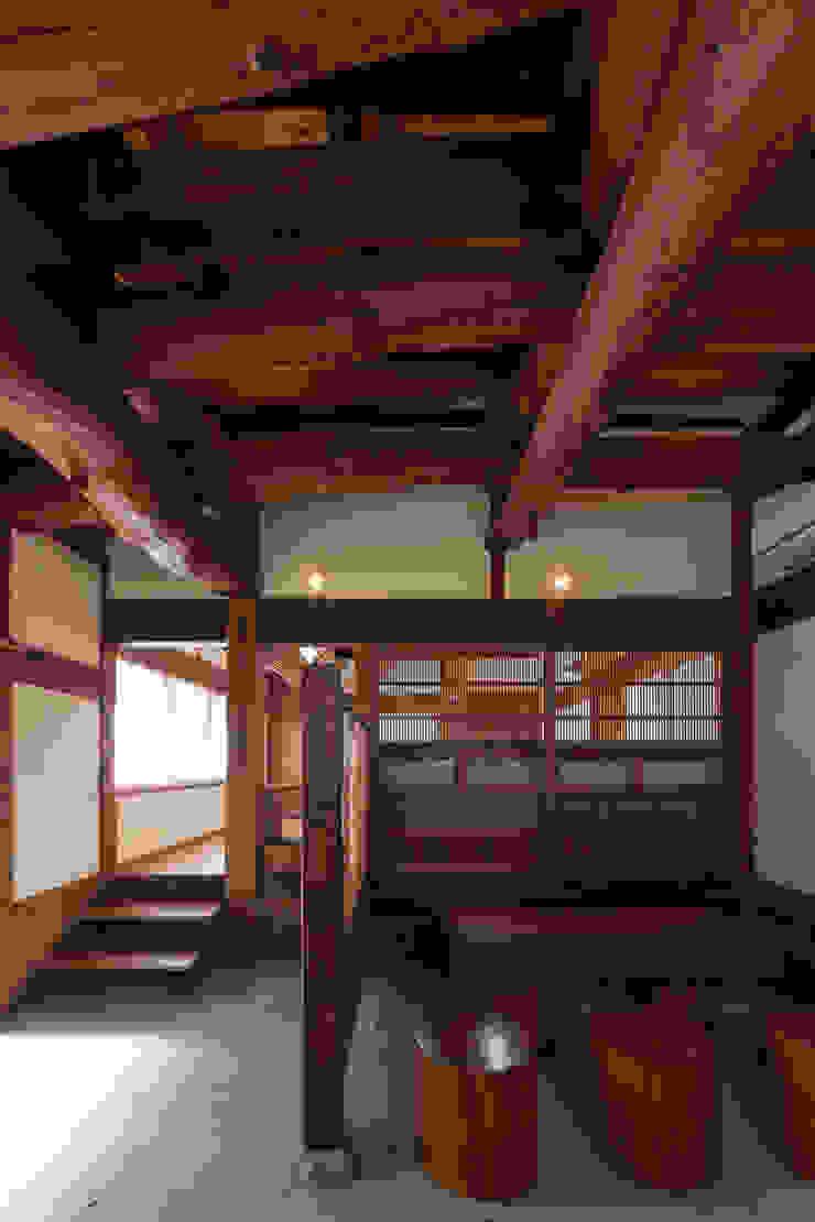 土間 クラシックデザインの 多目的室 の 吉田建築計画事務所 クラシック