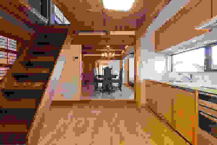 伝統のしつらえと、モダンライフの融合 クラシックデザインの キッチン の 吉田建築計画事務所 クラシック
