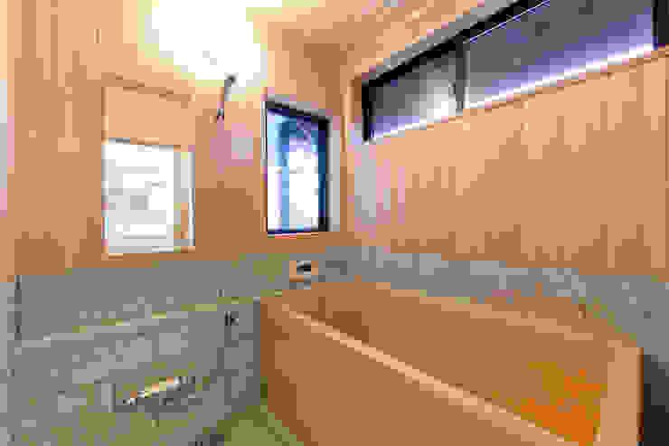 伝統のしつらえと、モダンライフの融合 クラシックスタイルの お風呂・バスルーム の 吉田建築計画事務所 クラシック