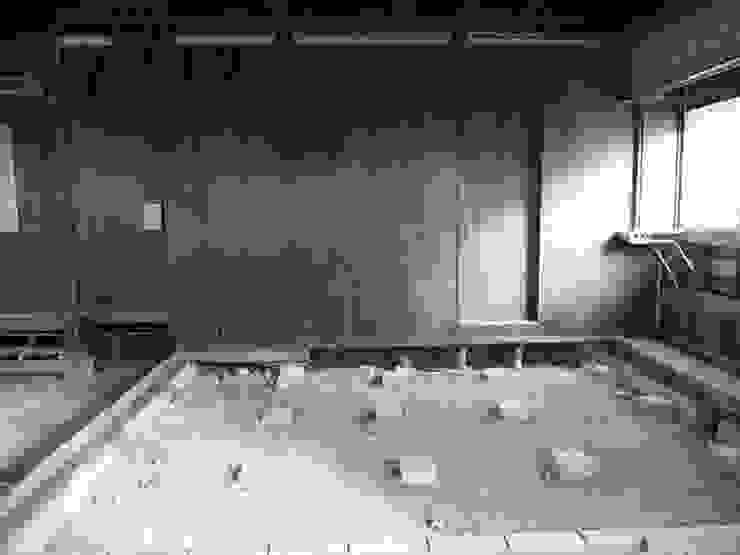 内部解体後: 株式会社 藤本高志建築設計事務所が手掛けた現代のです。,モダン