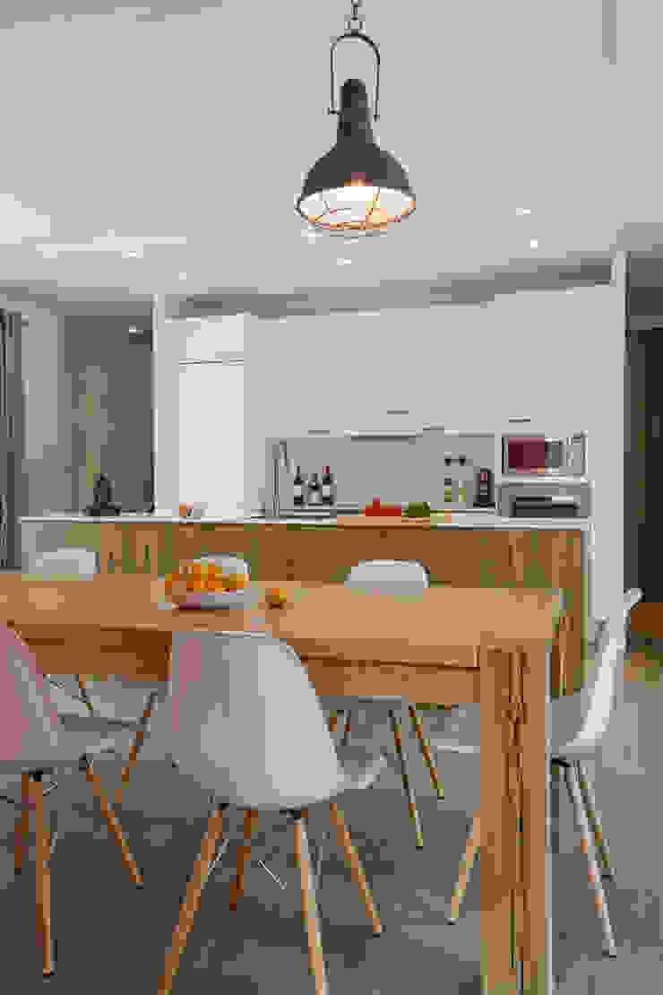 Modern dining room by blackStones Modern