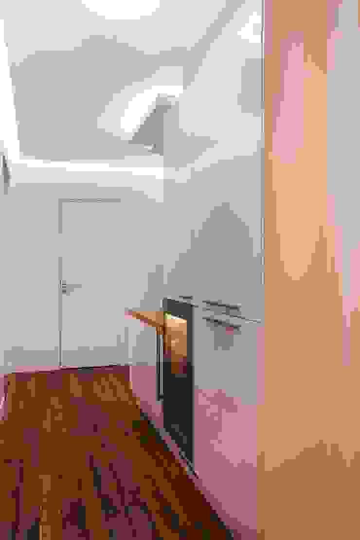 Appartement 140m² Couloir, entrée, escaliers originaux par blackStones Éclectique