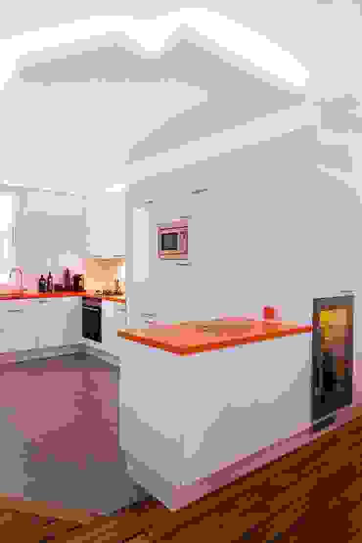 Appartement 140m² Cuisine originale par blackStones Éclectique
