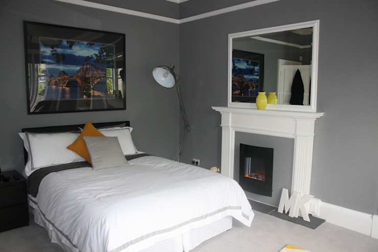 Batchelor Pad, Master Bedroom Bedroom by Isolution Interiors