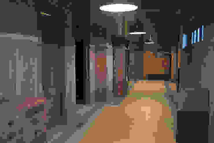 Galerias Velvet (Antena 3) Estudios y despachos de estilo industrial de Kulunka Deco Industrial