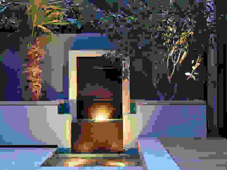 Granite waterfall MyLandscapes Garden Design Modern style gardens