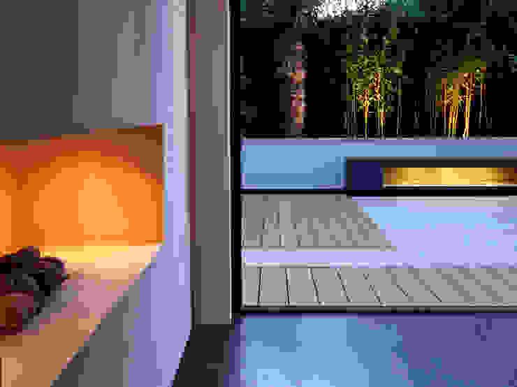 Minimalist bench Modern garden by MyLandscapes Garden Design Modern