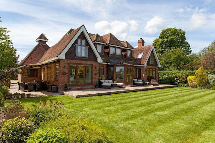Exterior Eclectic style houses by Stunning Spaces Ltd Eclectic