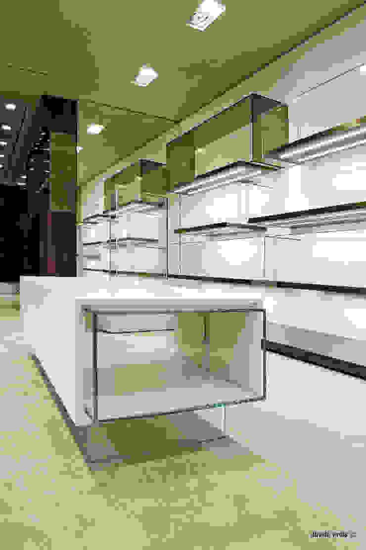 Boutique Pakerson, Milano Negozi & Locali commerciali moderni di beatrice pierallini Moderno