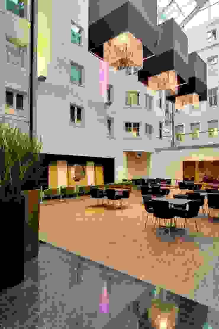 Clarion Hotel Plaza Bona Paredes y suelosColores y acabados
