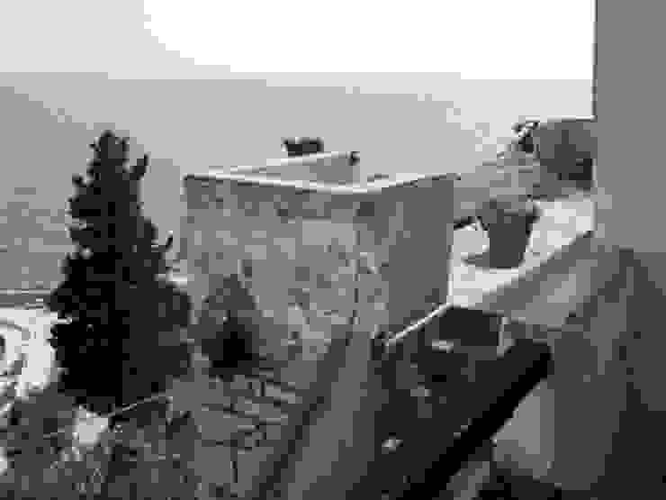 casa dentro le mura_ante operam Case in stile mediterraneo di laboratorio di architettura - gianfranco mangiarotti Mediterraneo