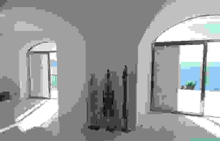 casa dentro le mura Soggiorno in stile mediterraneo di laboratorio di architettura - gianfranco mangiarotti Mediterraneo