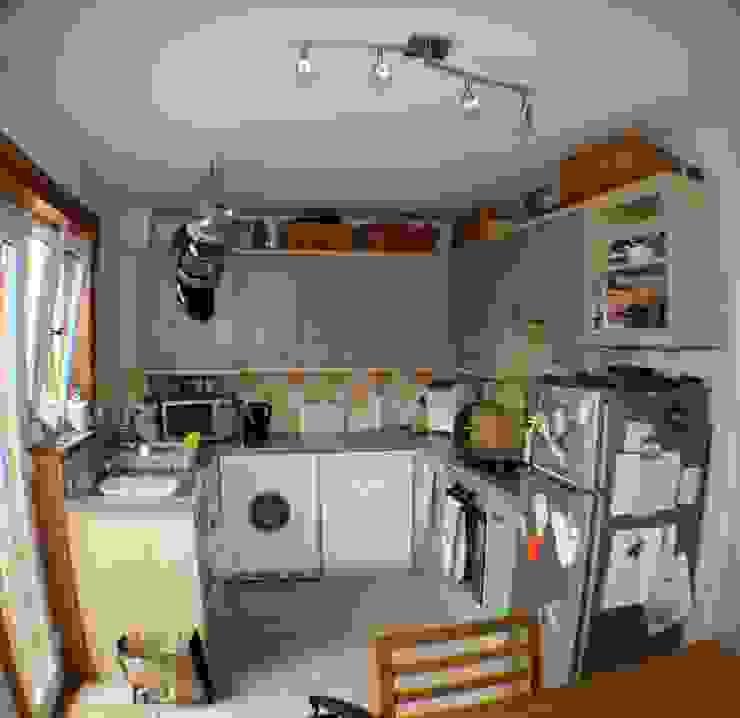 Kitchen Re-design Modern kitchen by Isolution Interiors Modern