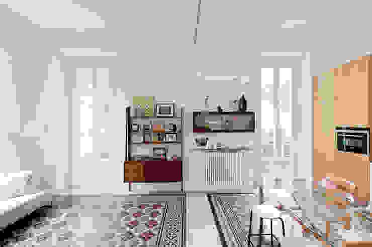 客廳室 根據 Elena e Francesco Colorni Architetti