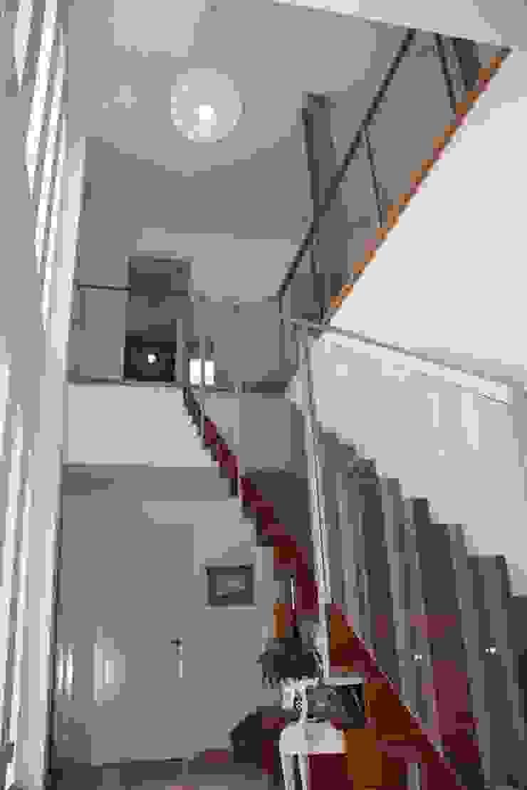 Vivienda Unifamiliar Aislada Pasillos, vestíbulos y escaleras de Rehabitable
