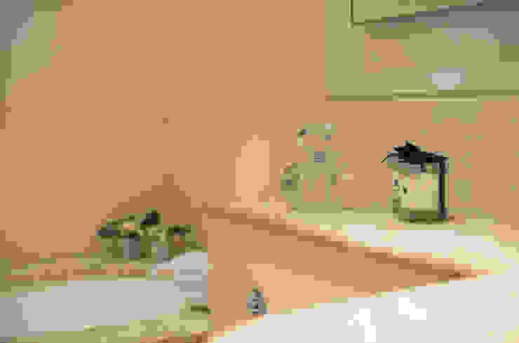 Family Bathroom Modern Bathroom by STUDIO[01] LTD Modern