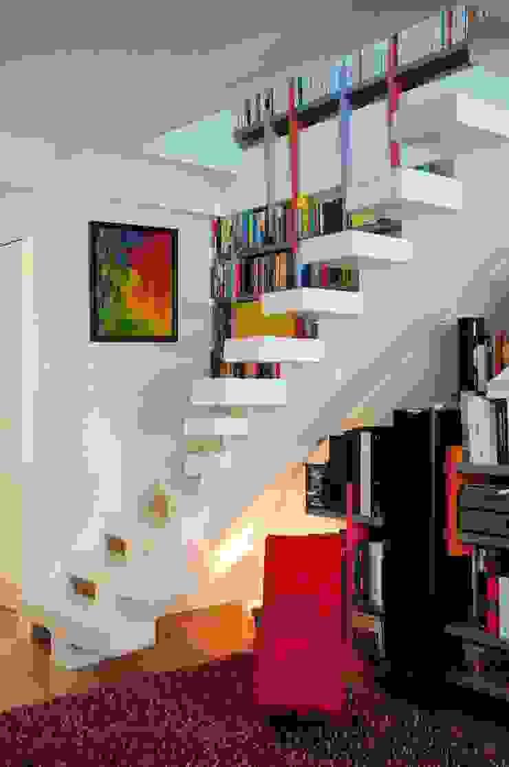Modern corridor, hallway & stairs by Tony Lemâle Intérieurs Modern