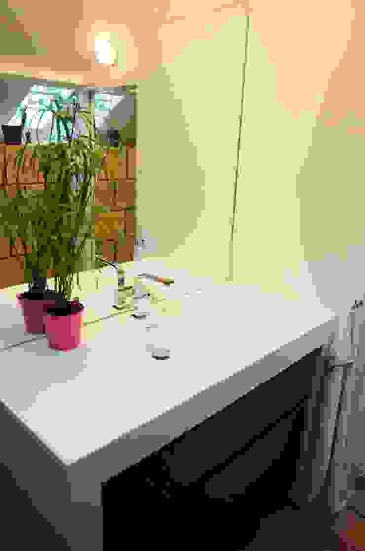 Modern bathroom by Tony Lemâle Intérieurs Modern
