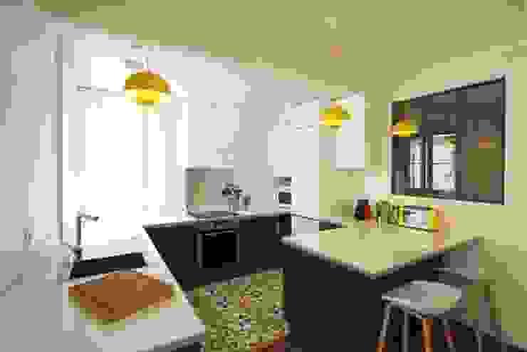 Appartement Parisien Cuisine moderne par Camille Hermand Architectures Moderne