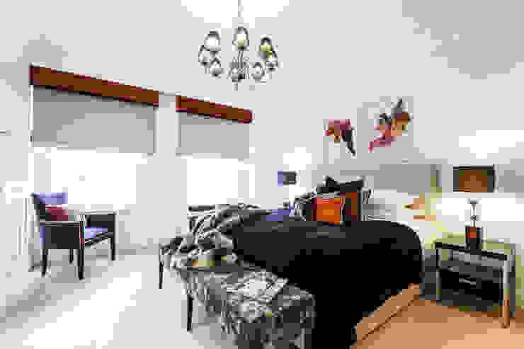 Master Bedroom/ Mayfair, London FADI CHERRY | design studio Modern style bedroom