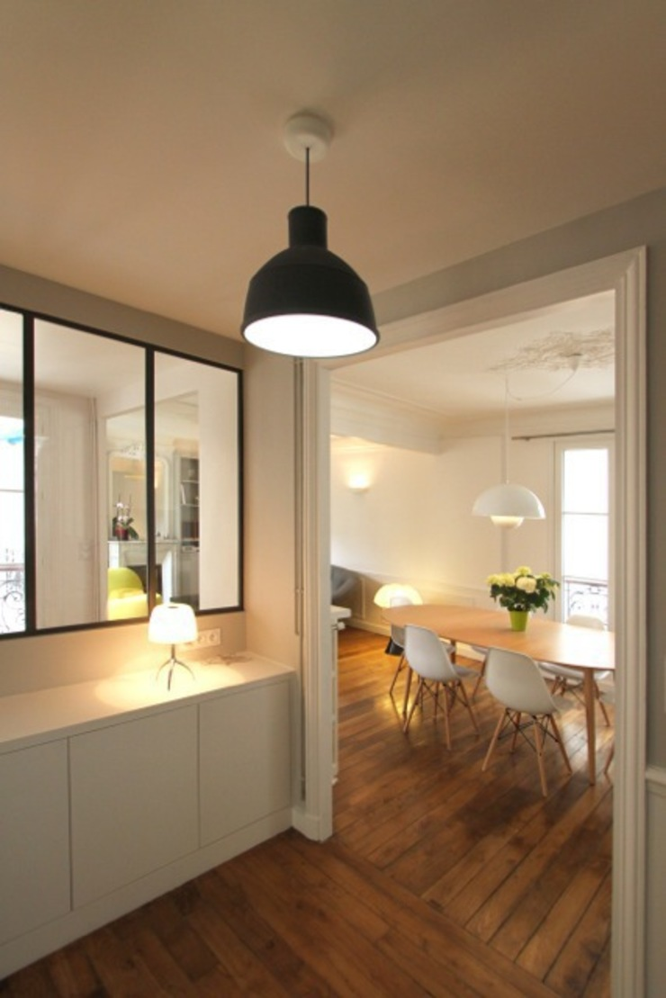 Minimalist corridor, hallway & stairs by Camille Hermand Architectures Minimalist