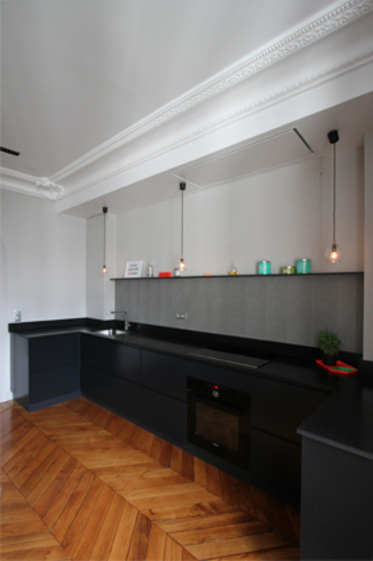 Minimalist kitchen by Camille Hermand Architectures Minimalist