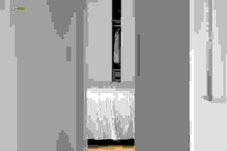 VIVIENDA EN RUZAFA Dormitorios de estilo ecléctico de amBau Gestion y Proyectos Ecléctico