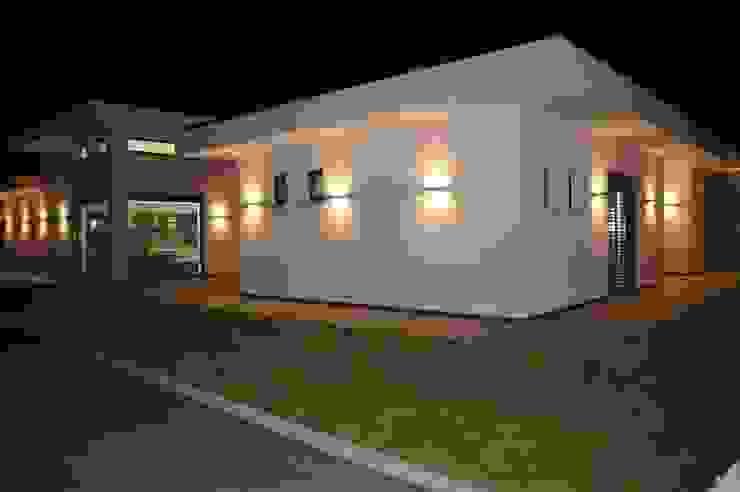 Villa in Frankreich Moderner Garten von Bolz Licht und Wohnen · 1946 Modern