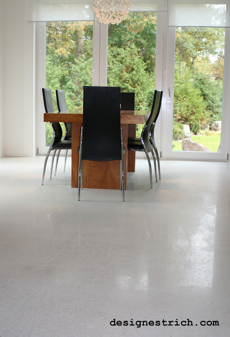 EPT Baugesellschaft mbH & Co. KG Modern living room