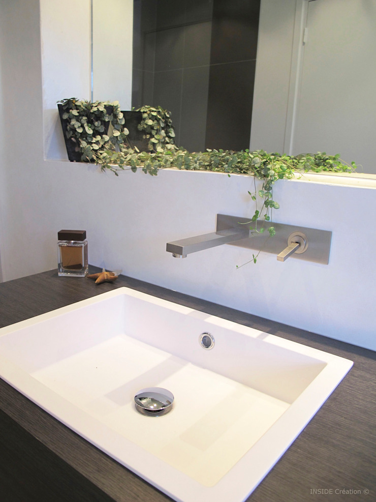 Robinetterie encastrée Salle de bain moderne par INSIDE Création Moderne
